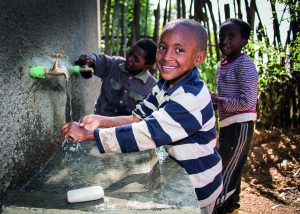 Rent-vann-i-slummen-i-Addis-Abeba-Oromia-og-Afar-i-Etiopia-2